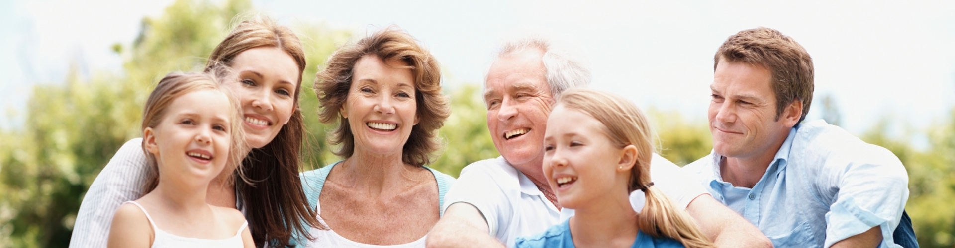 people_smiling_family